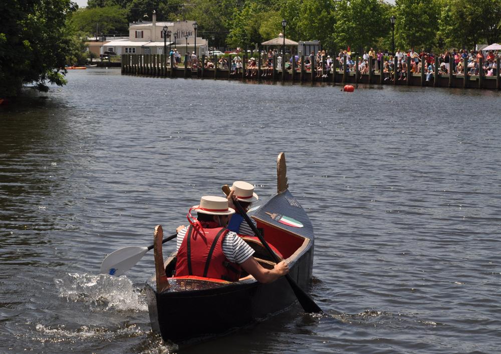 Robert Stiles Jr. and sister Barbara Aylward paddle to victory Sunday. (Credit: Grant Parpan)