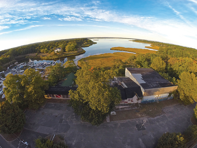 The former Seven Z's health club on Reeves Bay in Flanders. (Credit: Andrew Lepre)